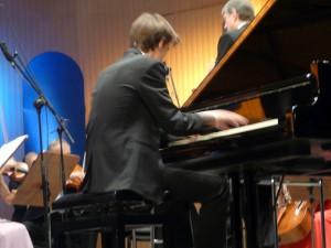 Orkiestra kupi nowy fortepian