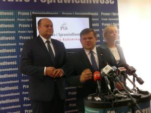 Wojciech Skurkiewicz ( w środku) kandydatem PiS na prezydenta Radomia