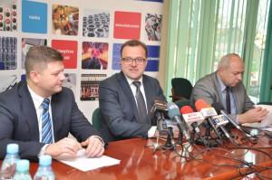 Prezydnet Witkowski i prezydent Zawodnik (pierwszy z lewej) podsumowali dwa lata kadencji