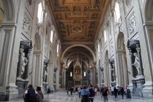 wnetrze-Arcybazyliki-papieskiej-sw-Jana-na-Lateranie-w-Rzymie