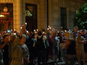 W miniony czwartek przed sądem protestowało kilkaset osób
