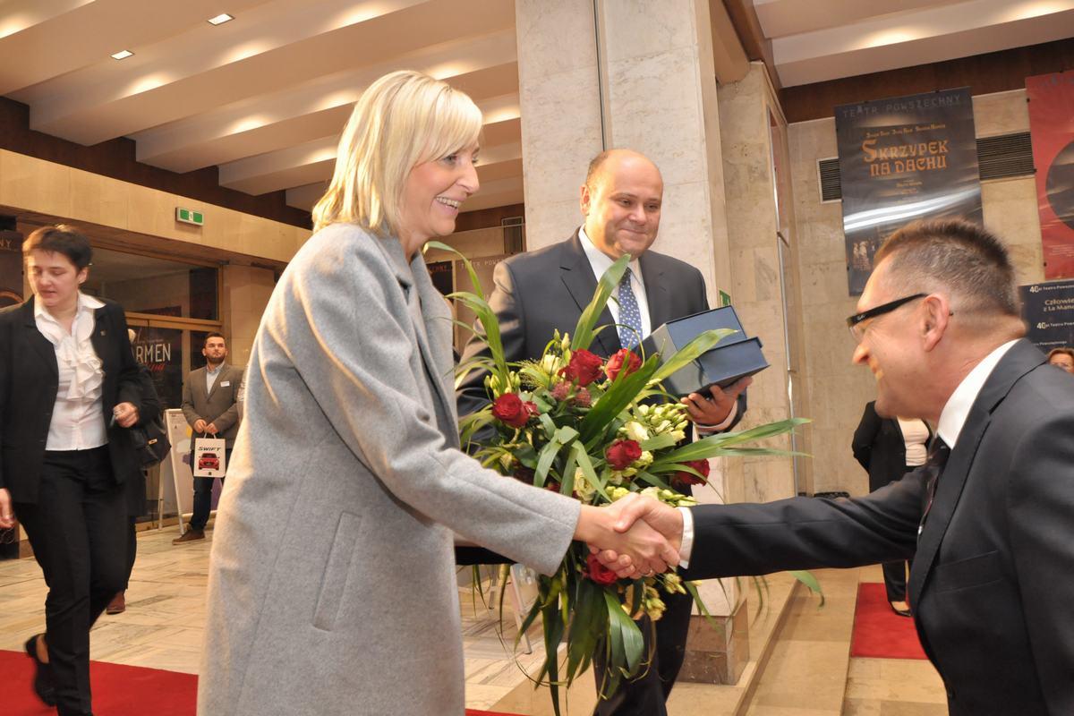 Z kwiatami przyszedł poseł i były prezydent Radomia Andrzej Kosztowniak