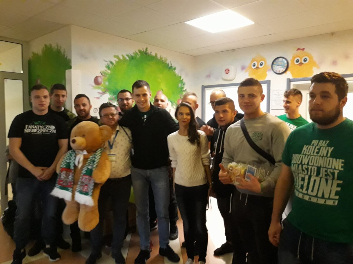 Do szpitala na Józefów przyjechali młodzi kibice Radomiaka