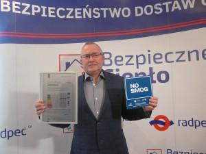 Prezes Zborowski z certyfikatem
