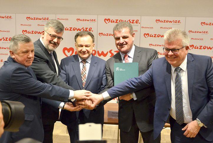 Umowę podpisano w siedzibie Kolei Mazowieckich w Warszawie