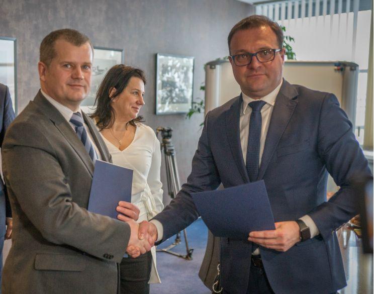 Prezes PPL (z lewej) i prezydent Witkowski
