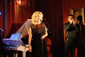 Zaśpiewa Joanna Trzepiecińska (fot. T. Bielawski)