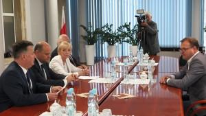 Do magistratu na kontrolę przyszli posłowie: Anna Kwiecień, Andrzej Kosztowniak, Dariusz Bąk i szef rady miejskiej Dariusz Wójcik