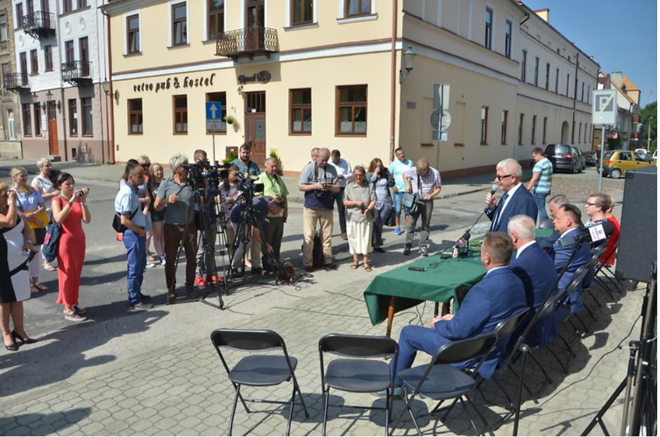 Screenshot_2018-07-23 Ponad 4,3 mln zł na modernizację kamienic Gąski i Esterki(2)