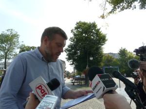 Adrian Zandberg wzywa Kaczyńskiego do zabrania głosu