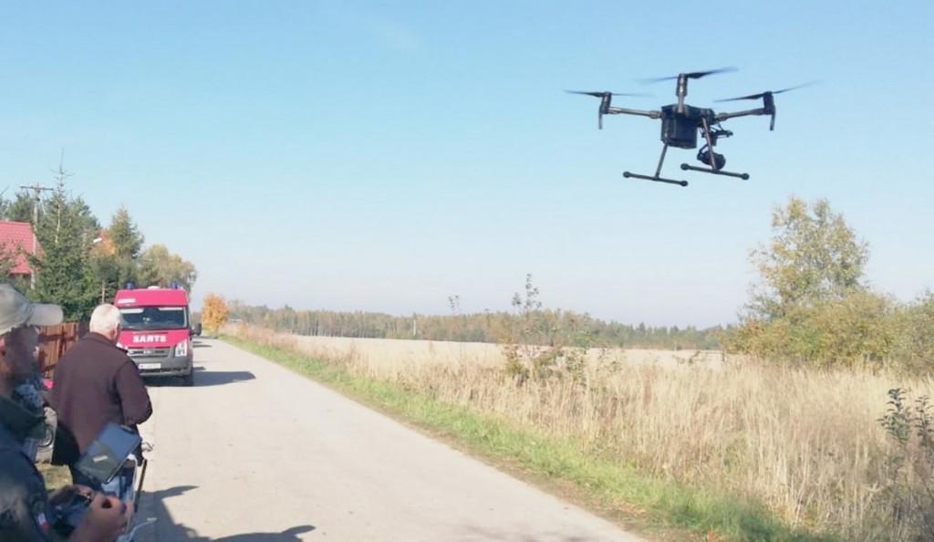 W poszukiwaniach pmaga dron