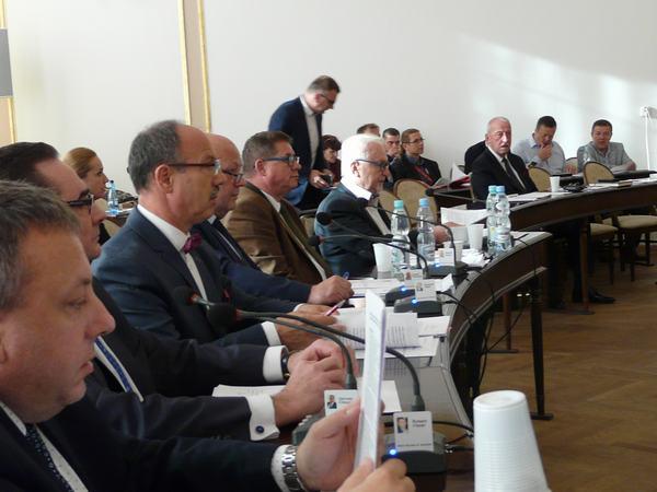 W radzie  po raz pierwszy od ponad 20 lat zabraknie Ryszarda Fałka (trzeci od lewej)