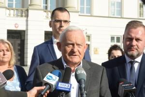 Leszck MIller zaapelował, by głosować na Radosława Witkowskiego