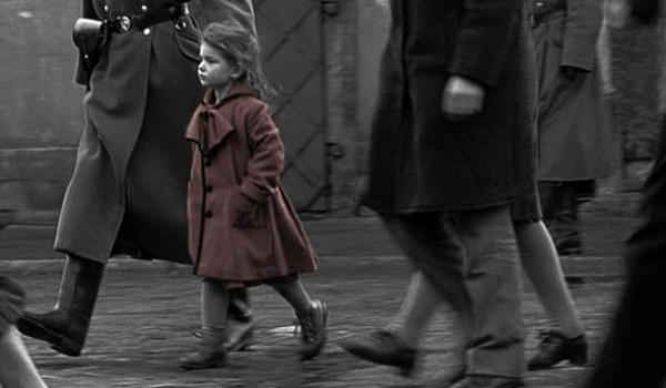 """Kadr z filmu """"Lista Schindlera"""""""