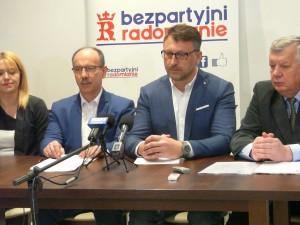 Bezpartyjni Radomianie  popierają oczekiwania płacowe nauczycieli