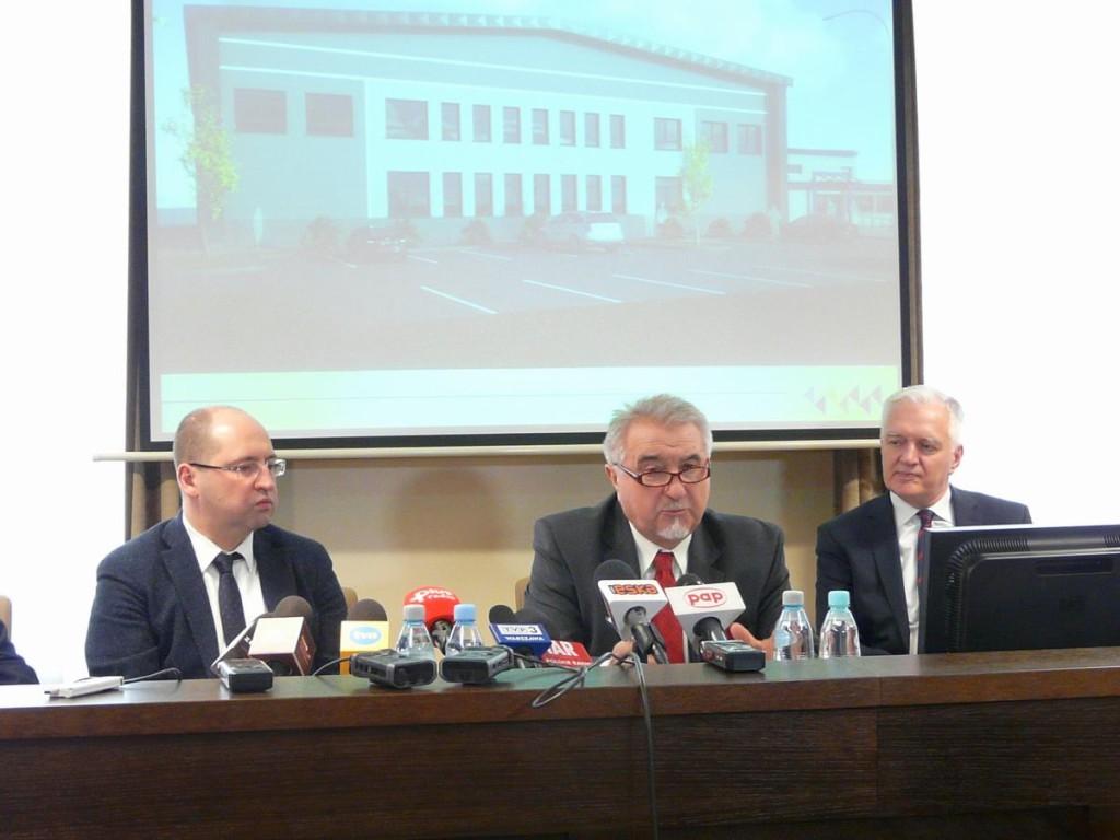 Rektor UTH zaprezentował wizualizację centrum