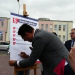 """Frysztak w kampanii podpisał """"Samorządową piątkę"""""""
