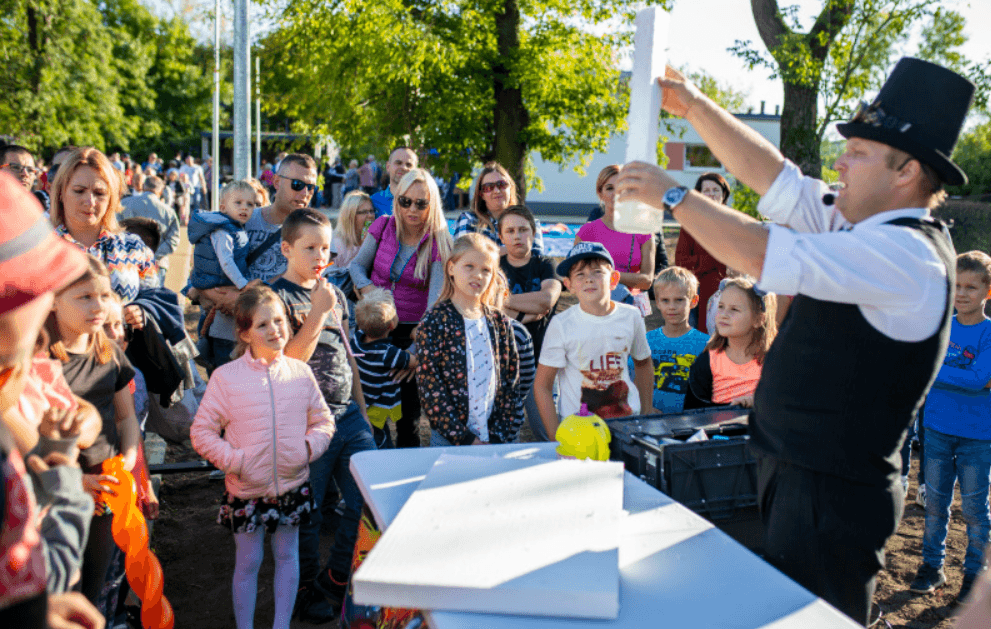 Screenshot_2019-09-22 Festyn w parku na Obozisku(6)