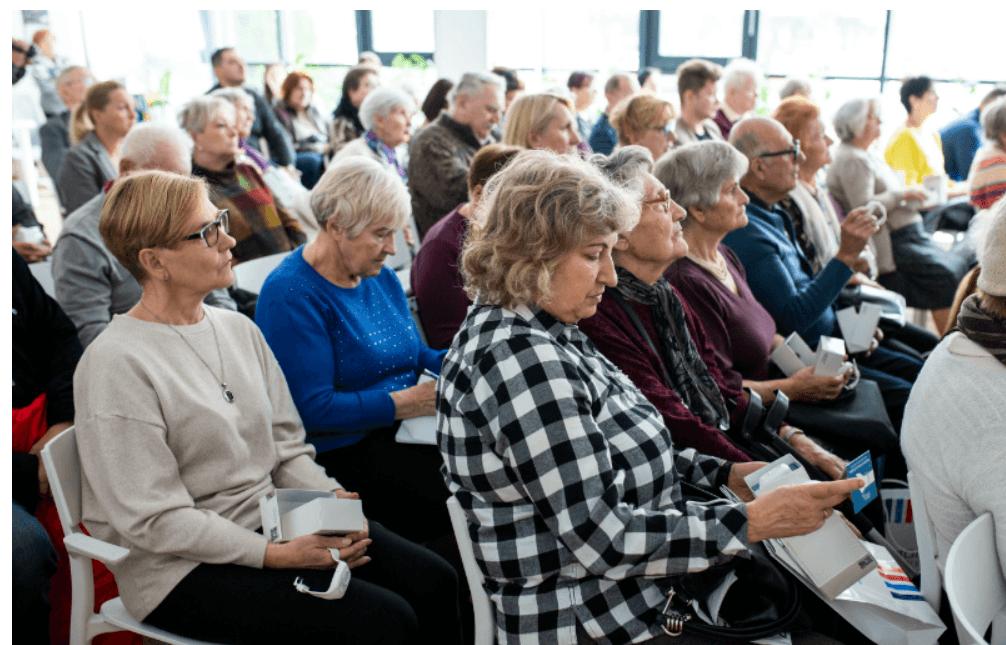 Screenshot_2019-10-08 Seniorzy otrzymali teleopaski