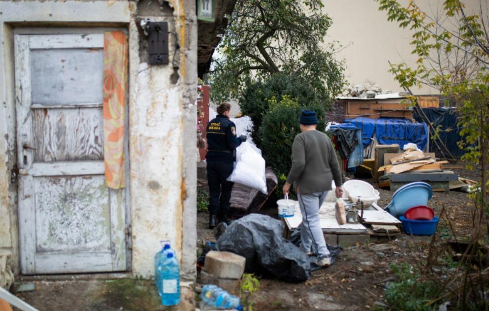 Screenshot_2019-10-29 Niosą pomoc bezdomnym