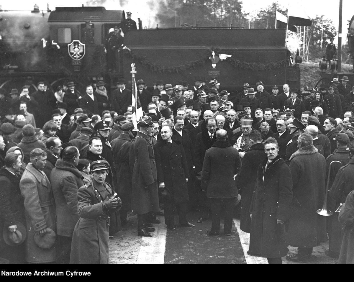 Pierwszy pociąg nowej linii na stacji Radom