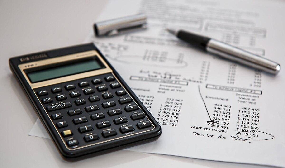 20200401132651_calculator-calculation-insurance-finance-53621.jpeg
