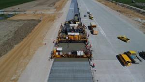 Trwa przebudowa pasa startowego (fot. PPL)